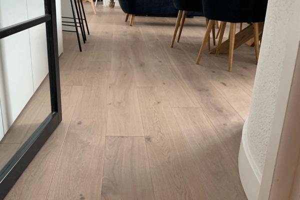 Multiplank houten café vloer 18cm Barnwood Raw Oak Grey Wash