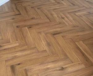 Klik PVC Visgraat Gelasta Callisto 5200 Natural Oak Dark